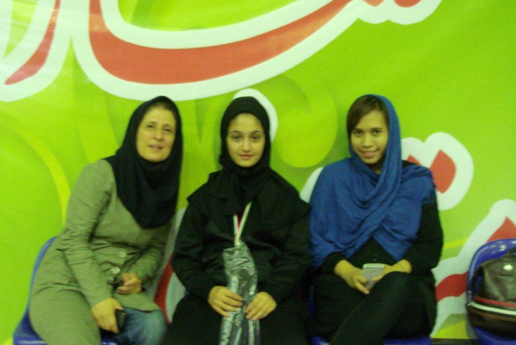مقام سوم کشوری در کنار خانم جلالیان و یک مربی خارجی