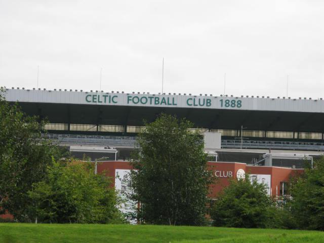 ستادیوم باشگاه قدیمی سلتیک دقیقا کنار سالن برگزاری مسابقات قرار دارد که افراد می توانند از موزه این باشگاه براحتی دیدن کنند